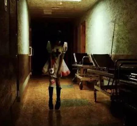 医院走廊女鬼